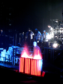 Blue_man_drumming